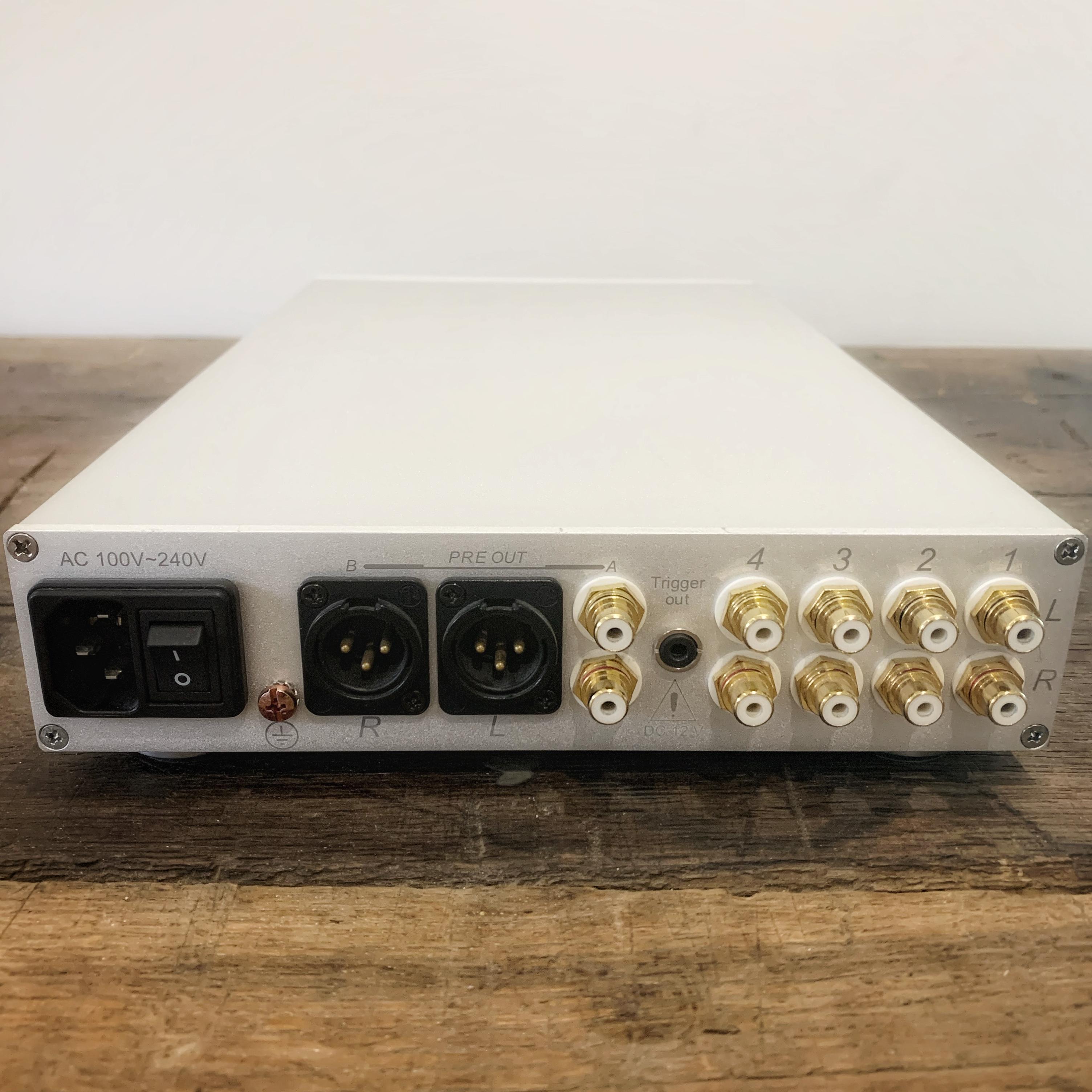préamplificateur NuForce P8S bornier