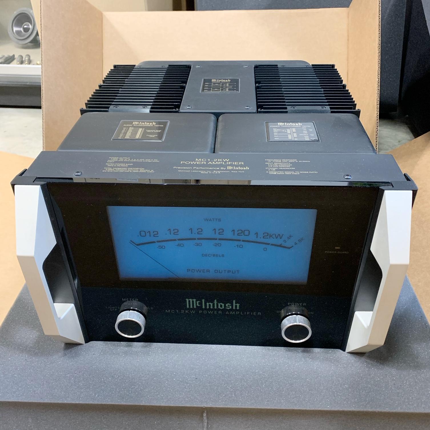 paire de blocs de puissance mono MC INTOSH 1,2 KW
