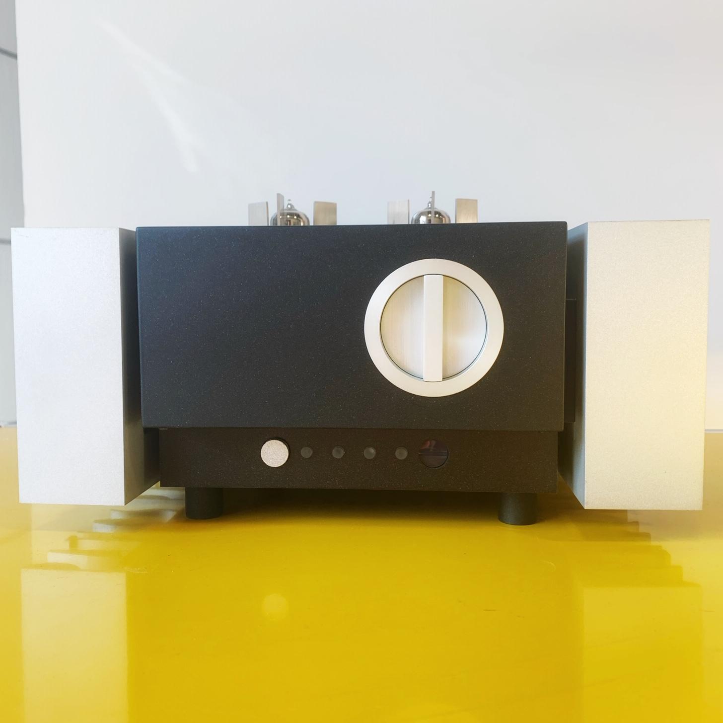 Amplificateur Intégré Hybride tubes / transistors PATHOS INPOL REMIX