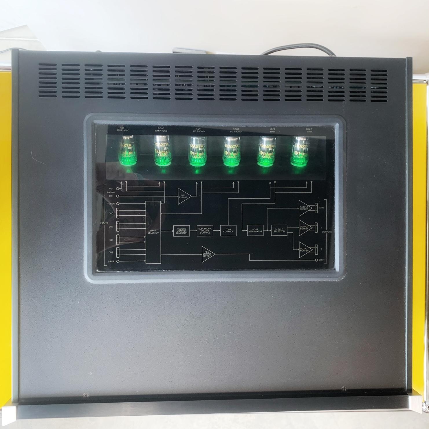 préamplificateur à tubes Mc Intosh C2300