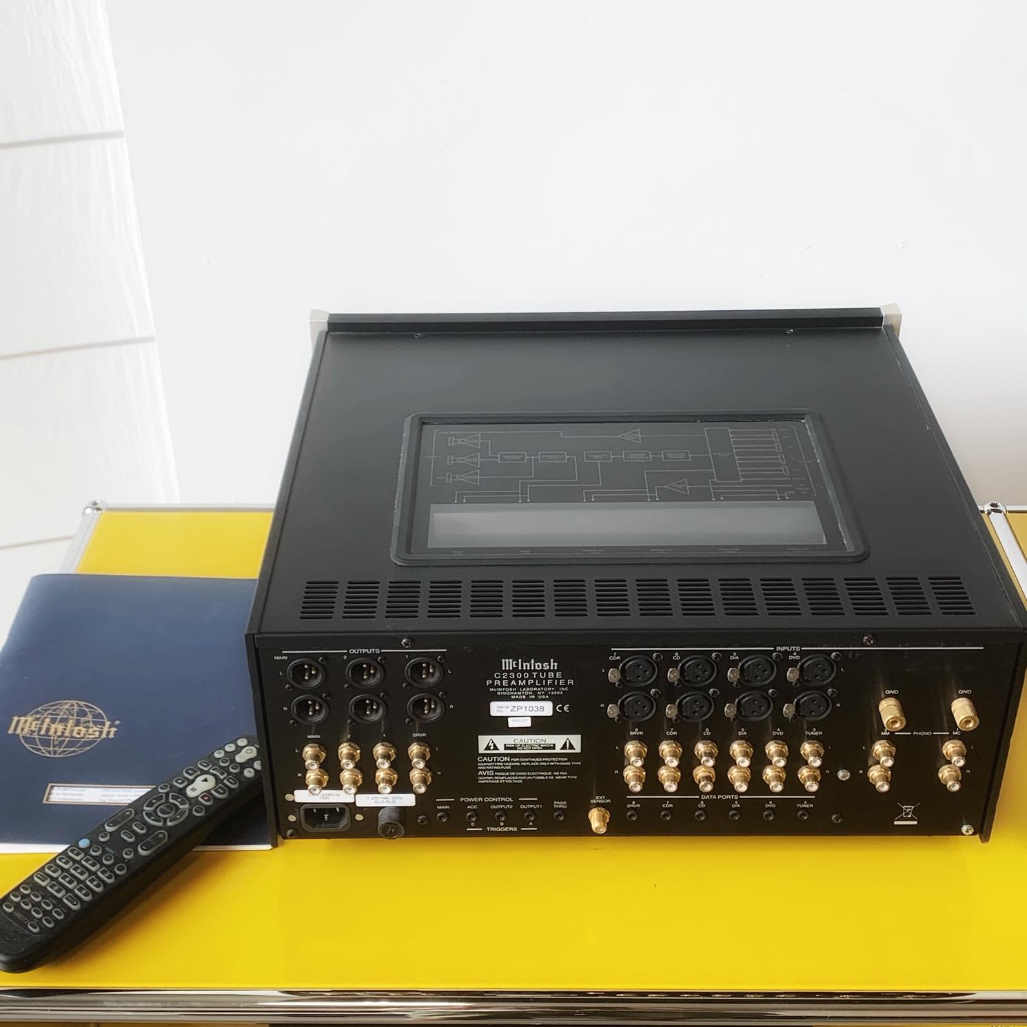 préamplificateur à tubes Mc Intosh C2300 bornier