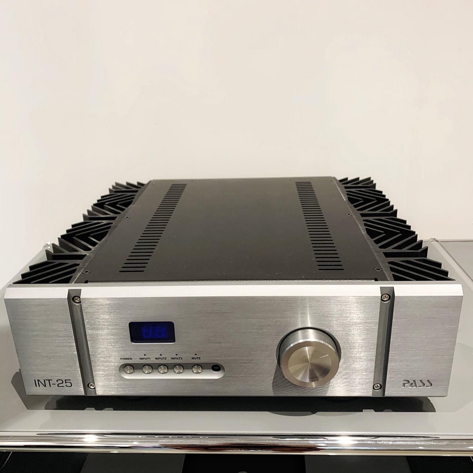 amplificateur intégré PASS INT 25